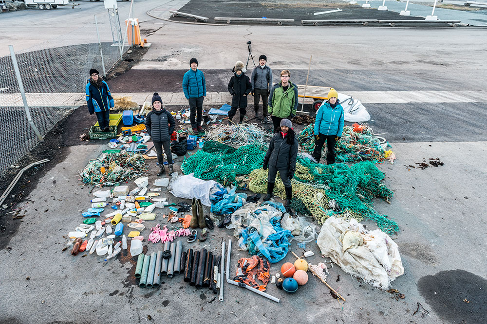 Sorting through the debris, Longyearbyen Port